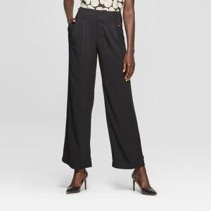Women's Black Straight Leg Oversize Pocket Pants